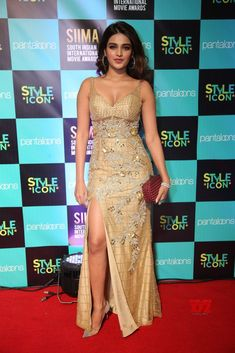 Nidhhi Agerwal stills at SIIMA 2019 - South Indian Actress Indian Actress Hot Pics, Bollywood Actress Hot Photos, Bollywood Girls, Beautiful Bollywood Actress, Most Beautiful Indian Actress, South Indian Actress, Bollywood Celebrities, Hindi Actress, Top Celebrities