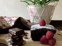 El Mejor Bizcocho Esponjoso de Chocolate al Microondas