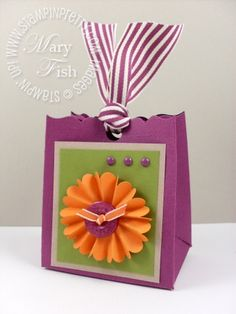 January 2011 Stampin up pals paper arts color coach video tutorial saleabration Stampin up fancy favor box big shot die cutting machine D Craft, Love Craft, Best Gift Baskets, Envelopes, Creative Gift Wrapping, 3d Paper Crafts, Fancy, Christmas Wrapping, Card Tags