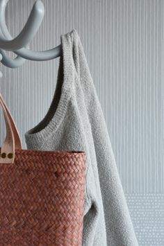 The wallpaper Strings Grey - from Mimou is wallpaper with the dimensions m x m. The wallpaper Strings Grey - belongs to the popular wall New Wallpaper, Photo Wallpaper, How To Dress A Bed, Swedish Brands, Messina, Designers Guild, William Morris, Fri, Things To Come