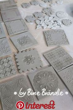 Most current Totally Free clay texture diy Ideas Töpfern – Bine Brändle Pottery Tools, Slab Pottery, Ceramic Pottery, Clay Tiles, Ceramic Clay, Concrete Tiles, Glazed Ceramic, Diy Clay, Clay Crafts