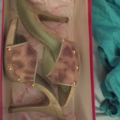 BCBGirls mint leopard high heels -7.5 These shoes were only worn once! In perfect condition other than some wear on the bottoms (see photo) super cute and come with box! BCBG Shoes Heels