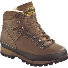 "Hiking shoes ""Borneo Lady 2 MFS"", for women- Wanderschuhe ""Borneo Lady 2 MFS. Trekking Shoes, Hiking Shoes, Borneo, Best Boots For Men, Lady, Leder Outfits, Camping Style, Walking Boots, Camping Outfits"