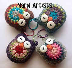 Owl Key Chain Pattern by Yarn Artists - This pattern is available as a free Ravelry download This is a very fast project to make. This would be ideal for gifts or craft show items. You could attach your owl to a key chain or a back pack clip. I bought the colored key chain rings at Wal-mart, or you can get them at your local craft shop. Please note that this is not a beginner pattern.