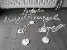 Hochzeitsdeko - Tischnummern! eins, zwei, drei... - ein Designerstück von logo-cut bei DaWanda