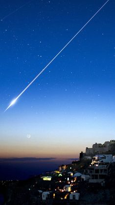 Shooting Star Over Cliff City iPhone Wallpapers City Iphone Wallpaper, Wallpaper Space, Wallpaper Backgrounds, Iphone Wallpapers, Places Around The World, Around The Worlds, Shooting Stars, Stargazing, Night Skies