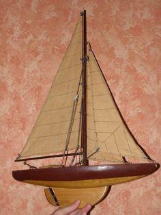 Bateau, voilier de bassin, jouet ancien vintage toy wood Sailboat