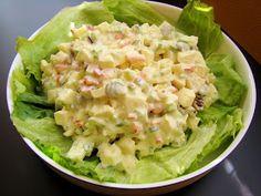 La ensalada Waldorf es, por excelencia,la ensalada de las fiestas en Estados Unidos. Suele servirse en la cena de Acción de Gracias y es ta...