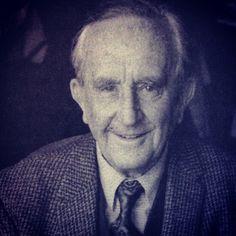 John Ronald Reuel Tolkien (* 3. Januar 1892 in Bloemfontein, Oranje-Freistaat; † 2. September 1973 in Bournemouth, England)
