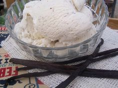 This is a great simple no-cook vanilla ice cream.