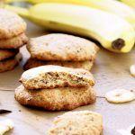 Ciastka waniliowe z bananami i czekoladą Cookies, Friends, Food, Crack Crackers, Amigos, Biscuits, Essen, Meals, Cookie Recipes