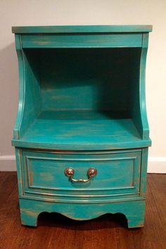 Side table painted with Annie Sloan Chalk Paint in Florence