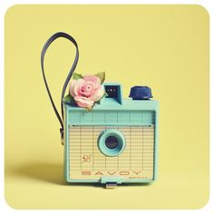 barbie retro camera!!!!! LOVE THIS AND SEROUISLY NEEEEED IT!!!!!!!!!!!!!