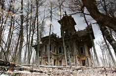 House in Chukhlomsky District in the Kostroma region of Russia. This wonderful century-old house with tower is hidden in the woods between the deserted village of Kostroma region 550 kilometers from Moscow, on the north-east, near the town Chuhloma.