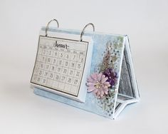 Here, I have created a small calendar with the new Christmas collection from Papirdesign. The calendar has been created with thick . Calendar Pad, Small Calendar, Table Calendar, Calendar Notes, Calendar Design, Diy Calendario, Handmade Table, Photo Album Scrapbooking, Fancy Fold Cards