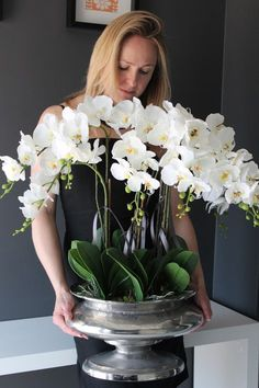 Orchid plants arranged in a stylish container to accentuate the … – Flowers Desing Ideas Love Flowers, Fresh Flowers, White Flowers, Beautiful Flowers, Phalaenopsis Orchid, Orchid Plants, Orchids, Orchid Flower Arrangements, Shed Decor