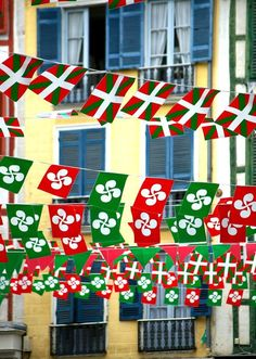 That red, white and green. Spanish Heritage, My Heritage, Pays Basque France, Guggenheim Bilbao, Bay Of Biscay, Asturian, Ville France, World Crafts, Biarritz