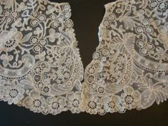Point d'Angleterre. Brussels bobbin lace, with needle lace ring inserts. That would make it Brussels Duchesse.