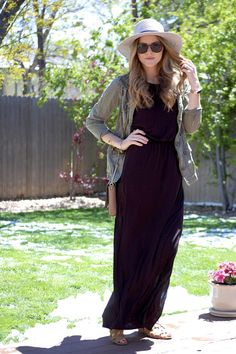A maxi dress with shrug and hat! Great combo!