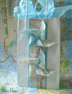 Pinwheel gift wrap - simple bag, great idea