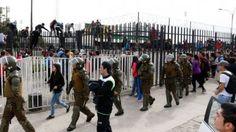 Incidentes se registraron en el Estadio Monumental por entradas para el superclásico - Cooperativa.cl