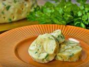 Hľadáte recept na karlovarsky knedlík ?  Tu je recept podľa ktorého karlovarske knedlíky pripravíte rýchlo a jednoducho. Potato Salad, Eggs, Potatoes, Breakfast, Ethnic Recipes, Food, Morning Coffee, Potato, Essen