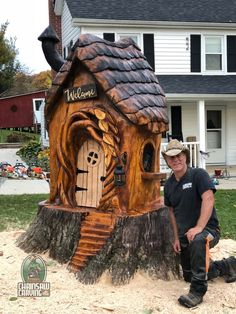 Chainsaw Carving by Paul - Home Kettensägenschnitzen von Paul - Home . Chainsaw Wood Carving, Wood Carving Art, Wood Art, Wood Carvings, Fairy Tree Houses, Fairy Garden Houses, Garden Art, 3d Zeichenstift, Tree Carving