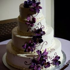 Pretty and simple wedding cake