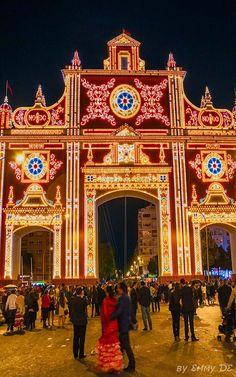 Portada de la Feria de abril de Sevilla. España