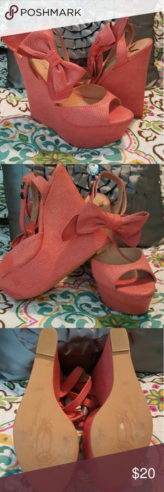 Size 8 ~ Wedges Bow Details Adorable fall colored platform wedges. Size 8. Penny loves Kenny. 2 snaps at the ankle. The bow can slide on the ankle strap for different  positions. Barely worn as you can see by the shoe bottoms. This is a great shoe! Shoes Wedges