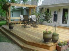 Maybe you would like to upgrade the complete back yard, or perhaps only the patio area. Your patio garden requires a floor finish. With many patio furniture alternatives to pick from you can readily make an outdoor space that is going to be well utilized. Cozy Backyard, Backyard Pergola, Backyard Landscaping, Landscaping Ideas, Corner Landscaping, Pergola Canopy, Deck With Pergola, Cheap Pergola, Wooden Pergola
