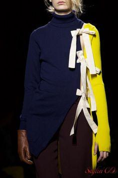 """La marque Jacquemus a présenté sa collection automne/hiver 2016/2017 dans le pavillon spécialement installé pour la fashion week parisienne au sein de l'espace Tuileries. Le nom de la collection""""L…"""