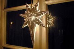 swedish christmas advent stars - Google Search Meaning Of Christmas, Christmas Star, Christmas Quotes, All Things Christmas, Christmas Ideas, Xmas, Swedish Christmas Traditions, Swedish Christmas Decorations, Swedish Decor