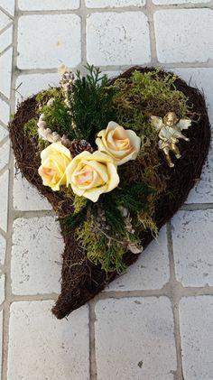 Pflanzschalen - Grabgesteck, Grabaufleger, Herz, Trauerfloristik, - ein Designerstück von Die-Deko-Idee bei DaWanda