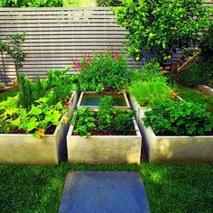 I really like this backyard garden design. Its great for small backyards like mine.
