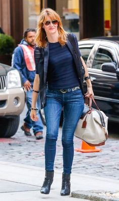 Laura Dern Photos: Laura Dern Heads To Her NYC Hotel