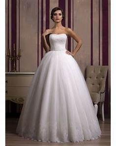 6fb7106632 12 najlepších obrázkov na tému Čipkované svadobné šaty
