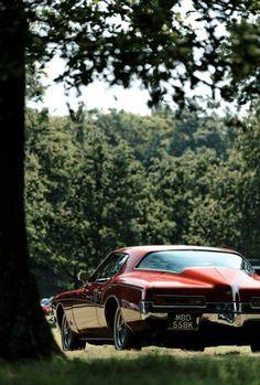 American Classic Cars, American Muscle Cars, Classic Trucks, Us Cars, Sport Cars, Buick Cars, Buick Riviera, Old School Cars, American Motors