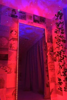 Neon Bedroom, Room Design Bedroom, Room Ideas Bedroom, Bedroom Inspo, Indie Room Decor, Cute Room Decor, Teen Room Decor, Hippie Bedroom Decor, Ästhetisches Design