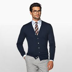 Daily pick: the navy cardigan. Preppy Mens Fashion, Mens Fashion Suits, Mens Office Fashion, Business Outfit, Business Casual Outfits, Blazer Outfits Men, Navy Cardigan, Mens Clothing Styles, Swagg
