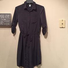 Old Navy Charcoal Grey Button Down Dress Like new Old Navy charcoal grey button down dress with cinch drawstring waist. Old Navy Dresses Mini