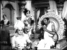 Devotional and Spiritual World : Krishna Kuchela meeting in NTR Krishnavataram Tamil Video Songs, Vintage Vignettes, Remember The Name, Krishna, Spirituality, Creatures, Happiness, God, Tin Cans