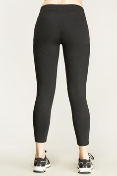 Boost your workout and reach your fitness goals with our Boost Yoga Capris!