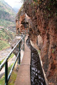 Levada dos Piorais - Fique a conhecer os tesouros da Madeira em: www.asenhoradomonte.com