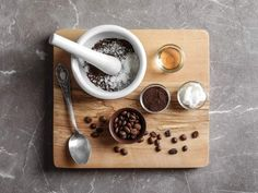 How To Make A Facial and Body Coffee Scrub At Home Light Auburn Hair, Coffee Face Scrub, How To Make Coffee, Scrubs, Facial, Facial Care, Facials, Face Care, Body Scrubs