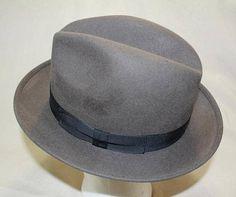 72de110ebfcf1 Vintage Robert Hall Gray Fur Felt Men s Dress Hat Fedora Size 7