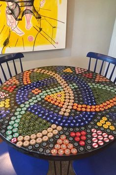 Diy Bottle Cap Crafts 535295105709735999 - 45 Ideal DIY ideas with recycled furniture Source by ablitzern Bottle Top Art, Bottle Top Crafts, Bottle Cap Projects, Bottle Cap Table, Diy Bottle, Beer Cap Table, Beer Cap Art, Beer Caps, Beer Bottle Caps