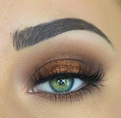 Simple bronze eyeshadow