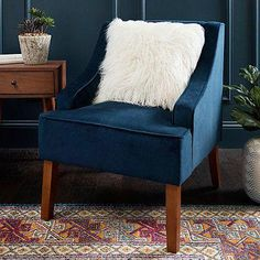 The right combination of cozy and chic, this Navy Velvet Swoop Accent Chair's contoured body is covered in velvet fabric for a luxe look that you'll love! Navy Blue Accent Chair, Small Accent Chairs, Accent Chairs For Living Room, Navy Living Rooms, Coastal Living, Shabby Chic Table And Chairs, Wrought Iron Patio Chairs, Cool Chairs, Affordable Furniture
