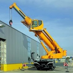 Mobile Crane Training Graskop, 10 days of Training – R Contact Free Accommodation, No qualifications. Crane Construction, Heavy Construction Equipment, Construction Machines, Heavy Equipment, Cool Trucks, Big Trucks, Hors Route, Engin, Heavy Machinery